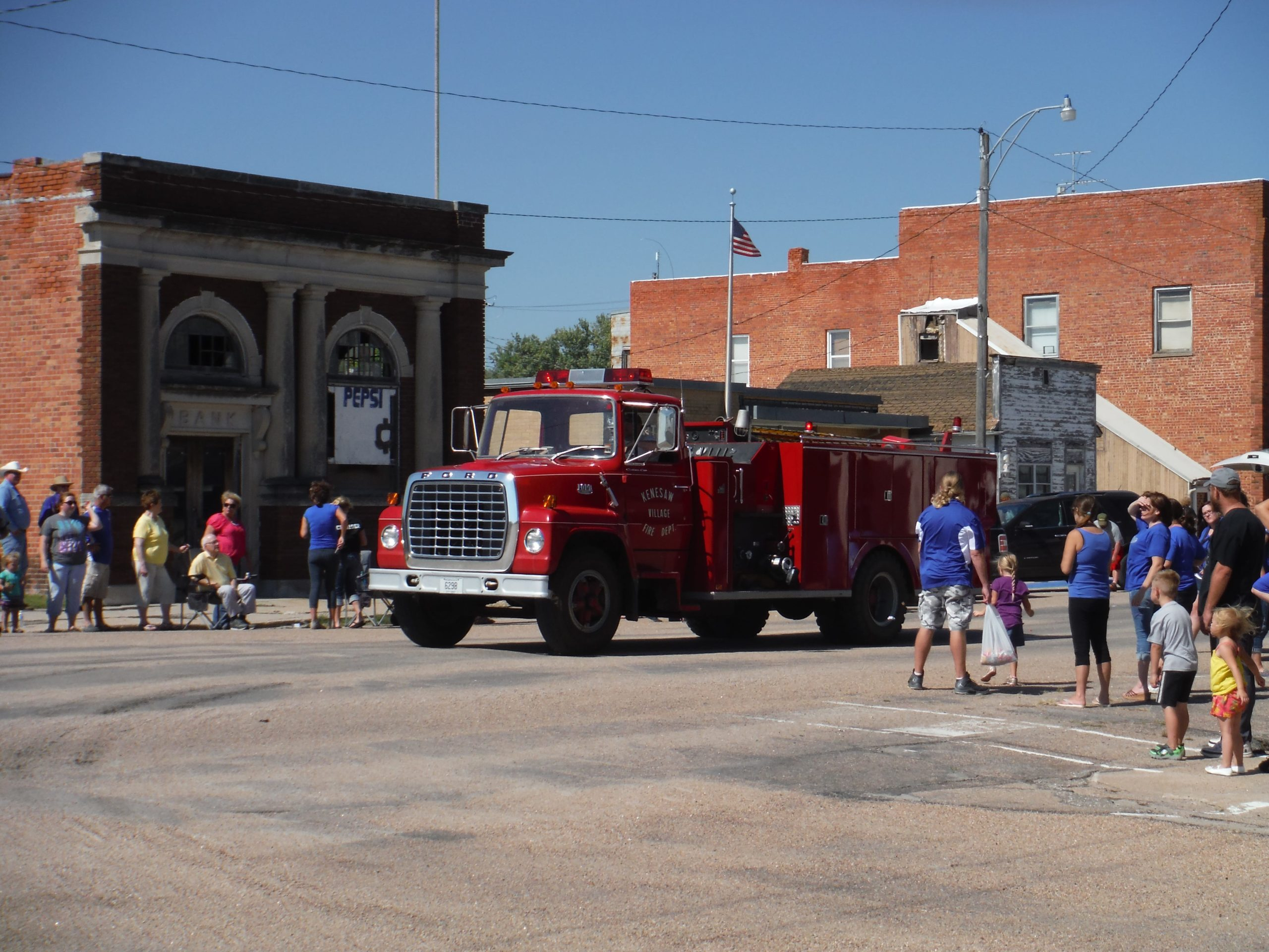kenesaw fire truck in homecoming parade
